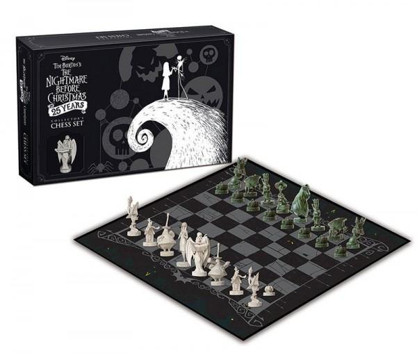 - Offiziell lizenziertes Schachspiel- Inklusive 32 Vinyl Figuren (ca. 3-6 cm groß)