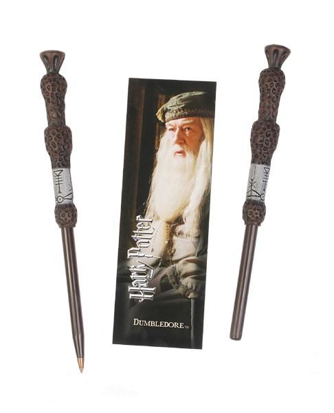 Originelle Nachbildung des Zauberstabs aus dem Film ´Harry Potter´ als schreibfähiger Stift. Die Lieferung erfolgt mit einem Lesezeichen von Dumbledore.