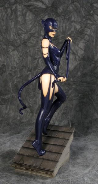 Fantasy Figure Gallery ist die beliebte Figuren-Serie von Yamato. Darin erscheinen hochwertige Statuen von Fantasy-Schönheiten der angesagtesten Künstler auf diesem Gebiet.<br /><br />Bei dieser aufreizenden Resin-Statue handelt es sich um eine Schöpfung