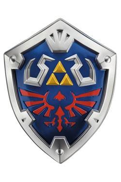 Zum Serientitel ´Skyward Sword´ aus der mega erfolgreichen ´Legend of Zelda´ Videospielreihe kommt diese offiziell lizenzierte Nachbildung des Hylia-Schilds von Link, gefertigt aus Kunststoff. Maße: 48 x 38 x 9 cm