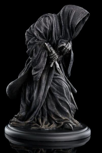 Die detailreiche Statue zur `Herr der Ringe´-Trilogie ist ca. 15 x 11,5 x 11,5 cm groß und wurde aus qualitativ hochwertigem Resin gefertigt.
